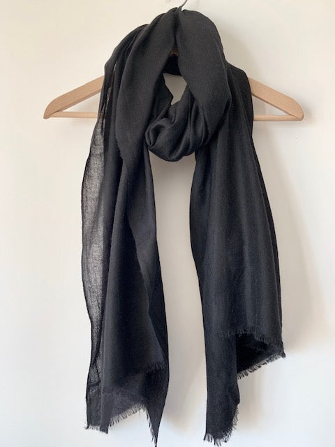 Fine Mongolian Cashmere Scarf in Black