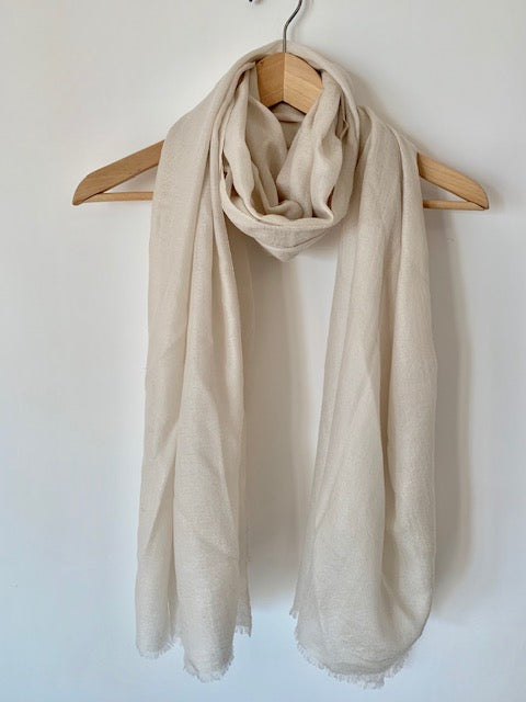 Fine Mongolian Cashmere Scarf in Light Beige