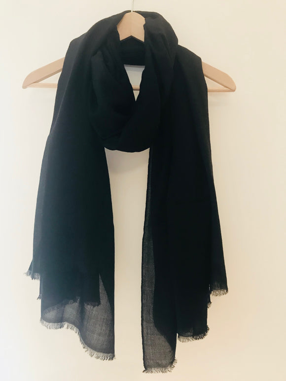 Super Fine Nepalese Cashmere Scarf in Black