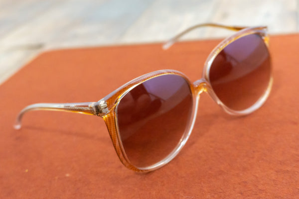 Magnolia - Vintage 70's Sunglasses in Orange - Staying Alive Vintage