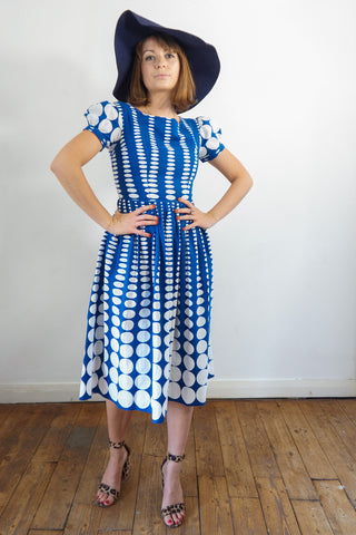 Saint Tropez - Vintage Summer Rétro Dress in White and Blue - Staying Alive Vintage