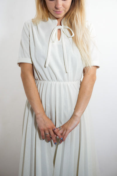 Pila - Vintage 70's Summer Midi Dress in White - Staying Alive Vintage