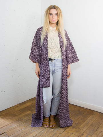 Raindrops - Vintage 70s Kimono in Purple with Geometric Print - Staying Alive Vintage