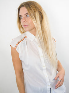 Jeanie - Vintage 70's Blouse in White with Embroidery Detail - Staying Alive Vintage