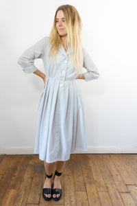 Doodle - Vintage 70s Midi Dress in White with Blue Strips - Staying Alive Vintage