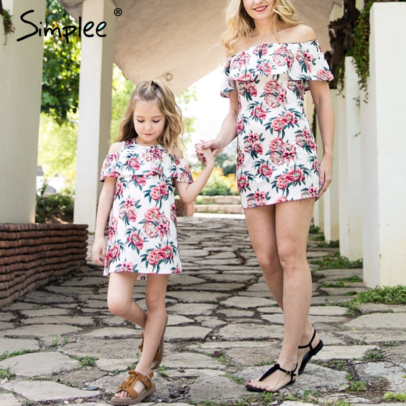 25e1a02c96fb5 Mother daughter matching summer dress plus size Ruffles floral print boho  short dresses Elegant girls mom white mini vestidos