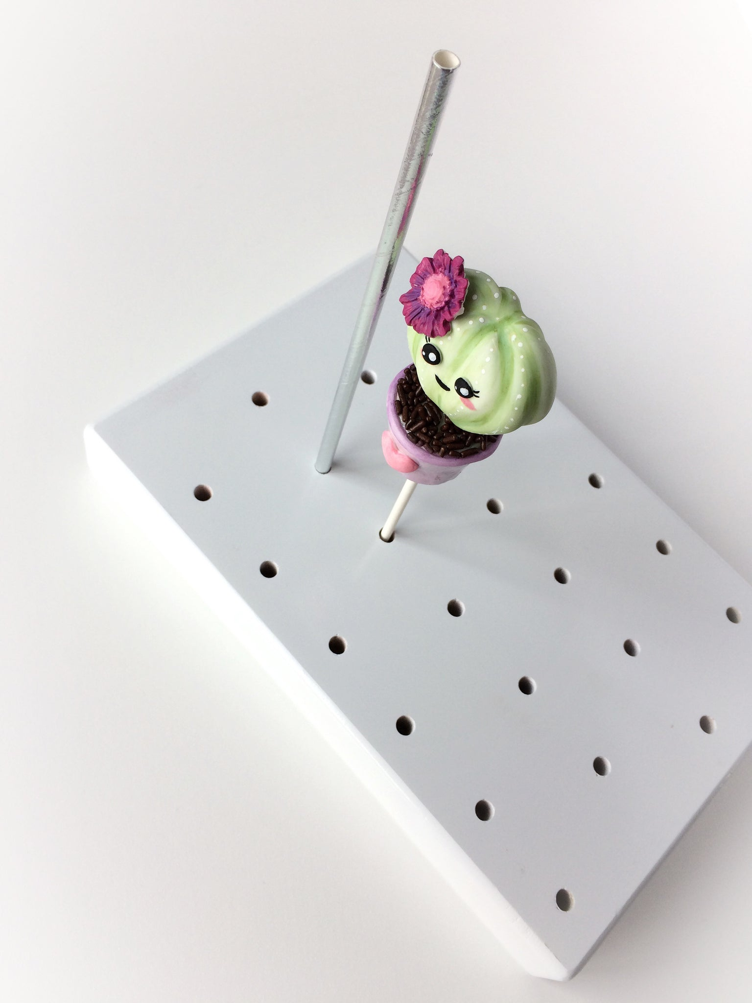 3 in 1 (Cake Pop stand for 24)  up to 7 day delay