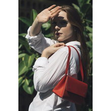 Load image into Gallery viewer, Triangle Bucket II Bag Red Oporto