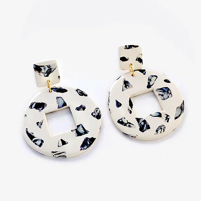 Horma Stones Earrings Cream