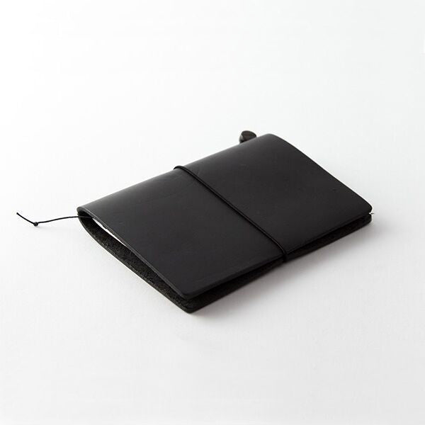 TRAVELER'S Notebook - Passport Size Black
