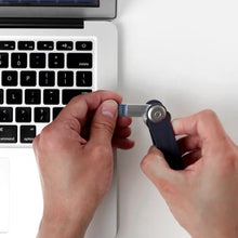 Load image into Gallery viewer, USB 3.0 8G - Orbitkey Accessory