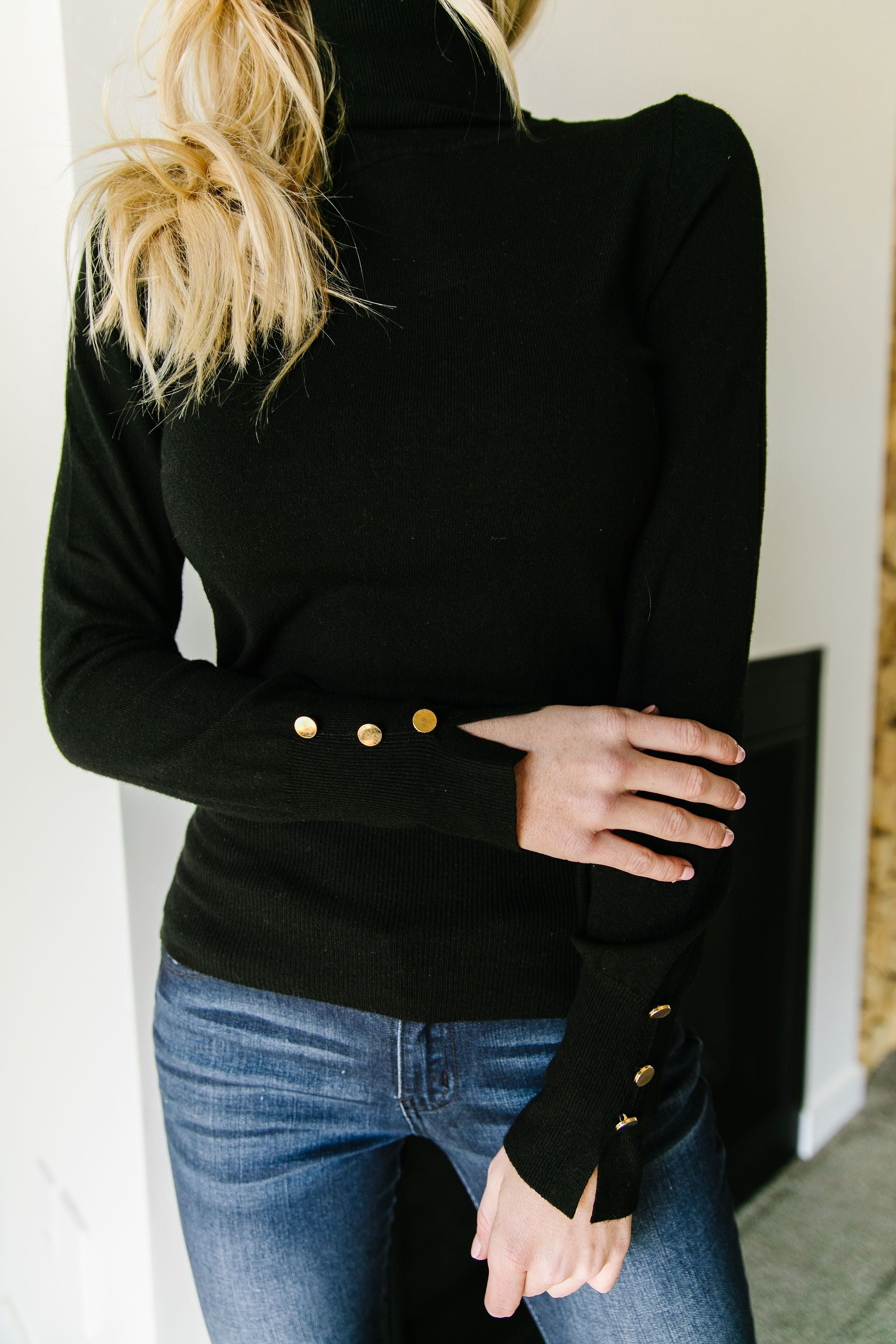 Button Sleeve Elegance Turtleneck In Black
