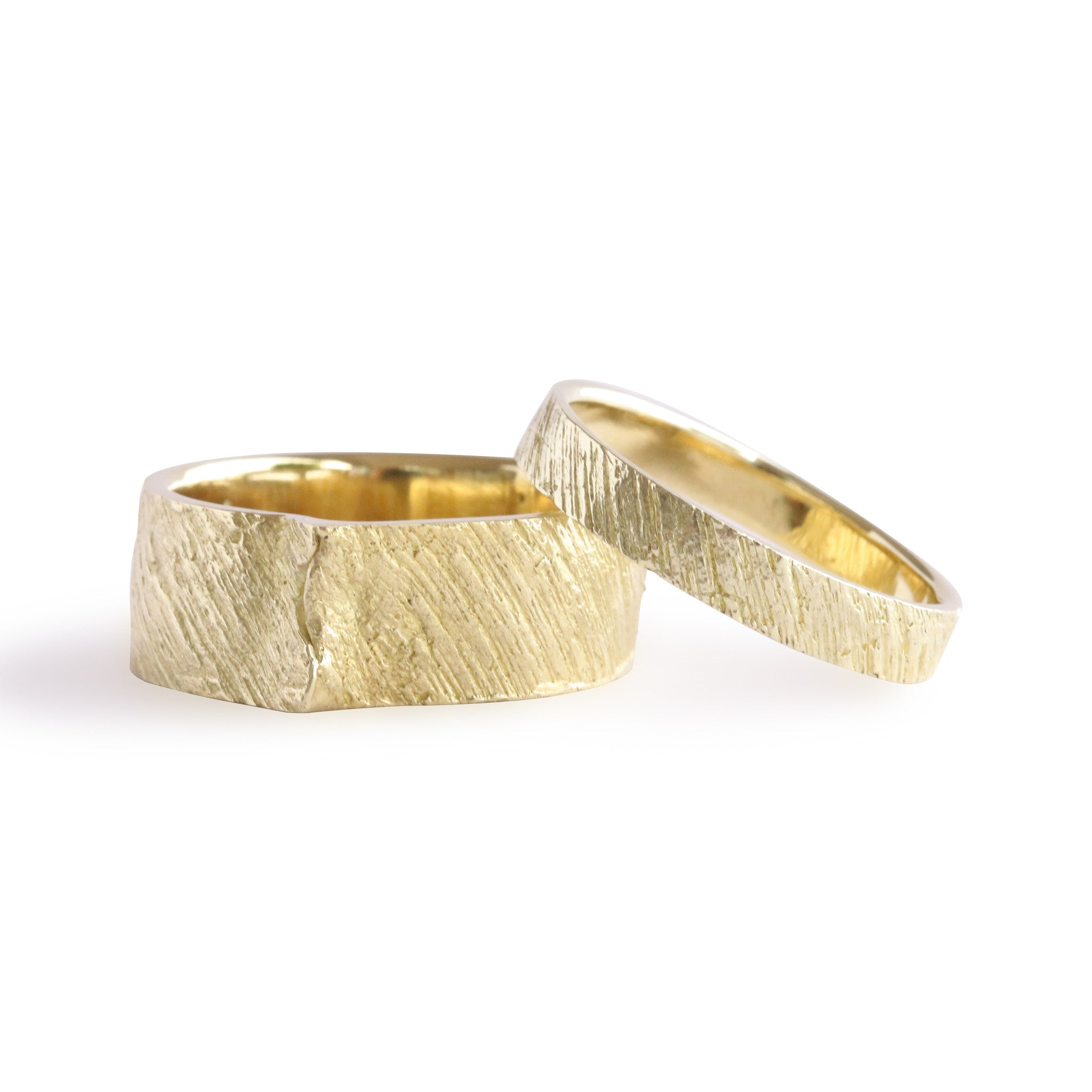 mens overlap textured band products bermuda wood gold bands wedding jewellery s smooth flatt alexandra yellow ring with mosher dock studio detail