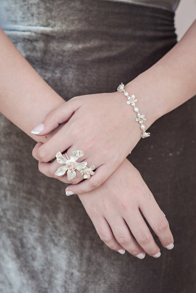 Fera Collection | Bouquet Tiny Pearl Bracelet