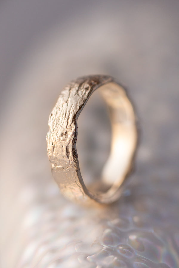 Bermuda Textures ~ Anchor Chain Gold Ring