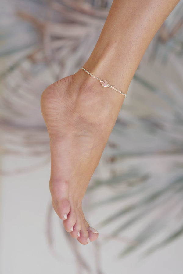 Splash ~ Medium Circle Inline Anklet