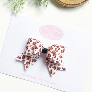 A/W leopard bow