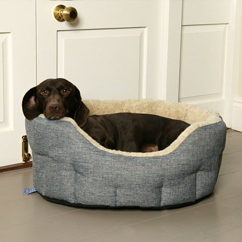 P&L Country Dog Heavy Duty Oval High Sided Fleece Lined Dog Bed