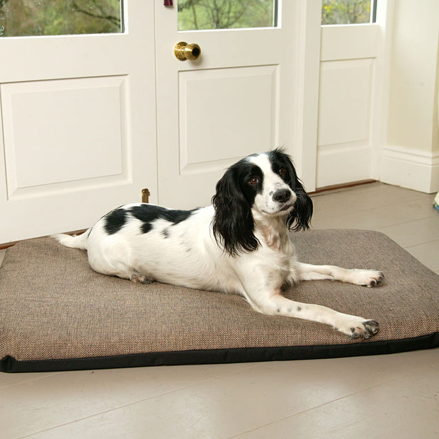 P&L Country Dog Heavy Duty Basketweave Dog Duvet with removable cover Dog Beds.