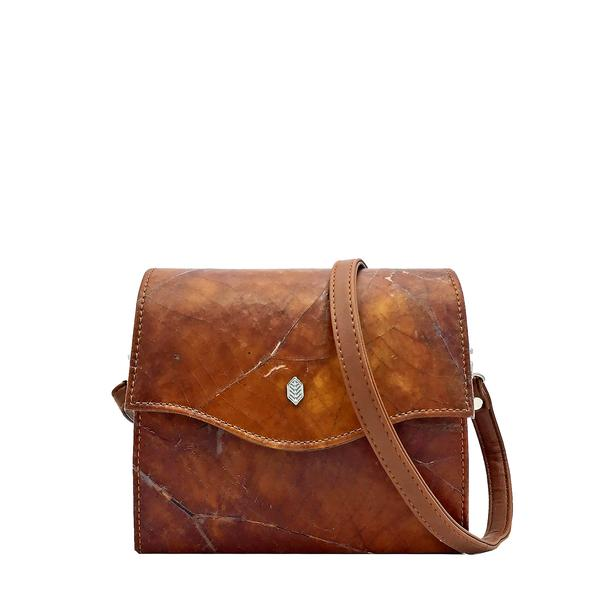 Box Bag in Brown Leaf Leather