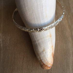 west_of_the_waves_heirloom_bangle
