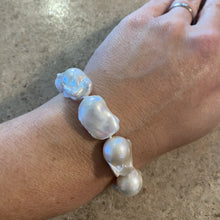 Load image into Gallery viewer, Baroque Pearl Bracelet