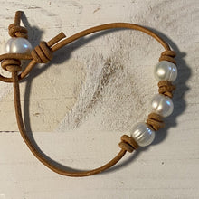 Load image into Gallery viewer, west_of_the_waves_leather_pearl_bracelet