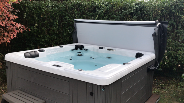 Spirit II Hot Tub