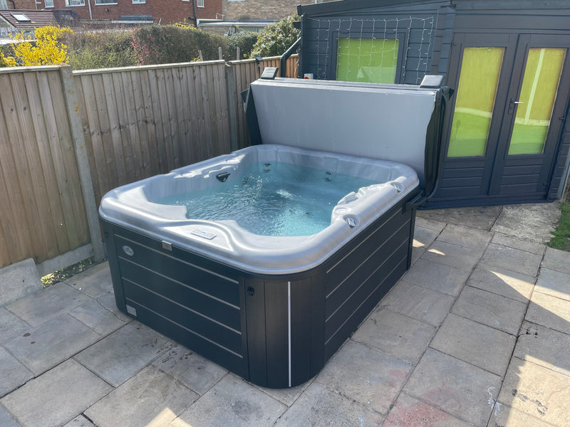 Cove C500 Retreat 26 Jet Hot Tub
