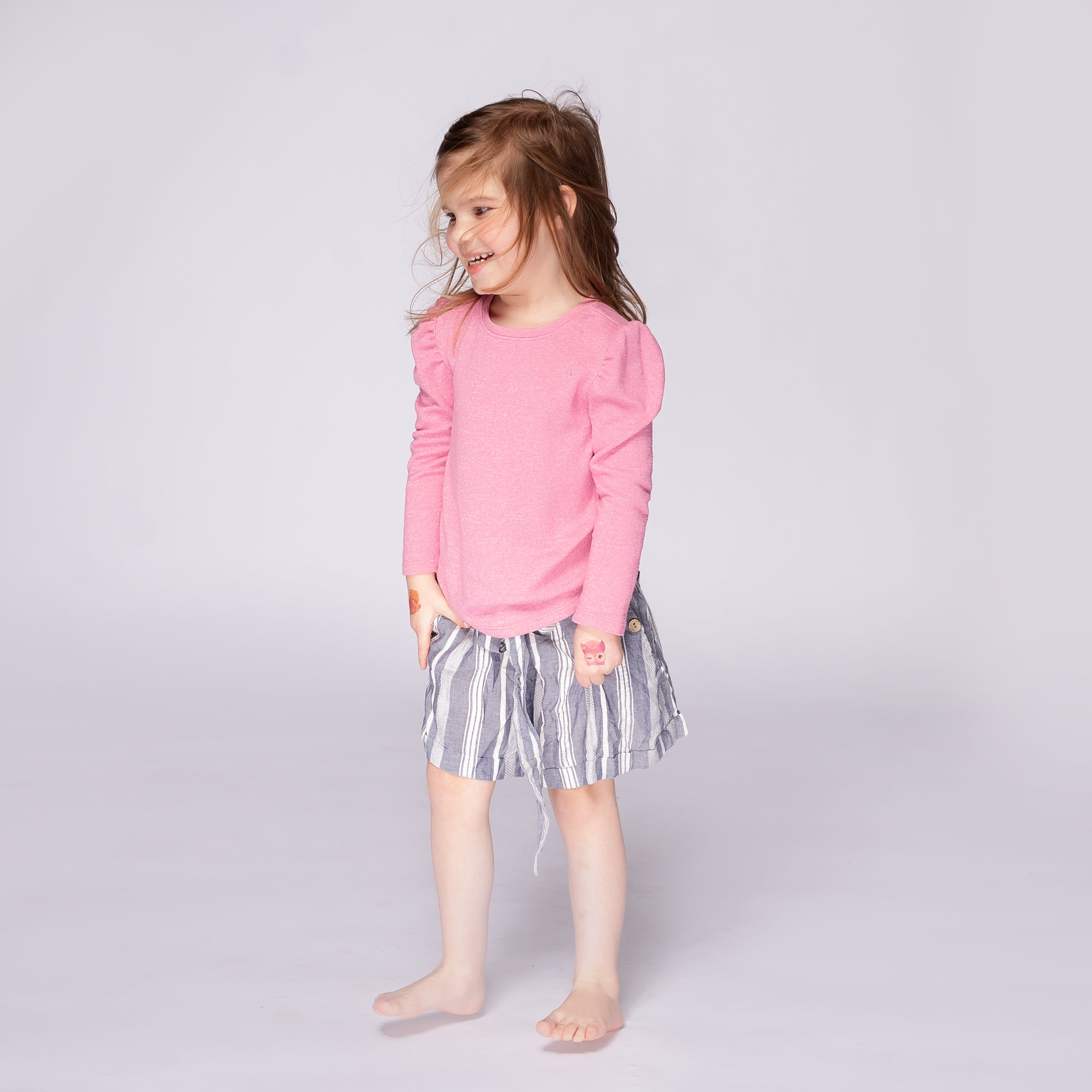 Angie Kids Short w/ Coconut Buttons