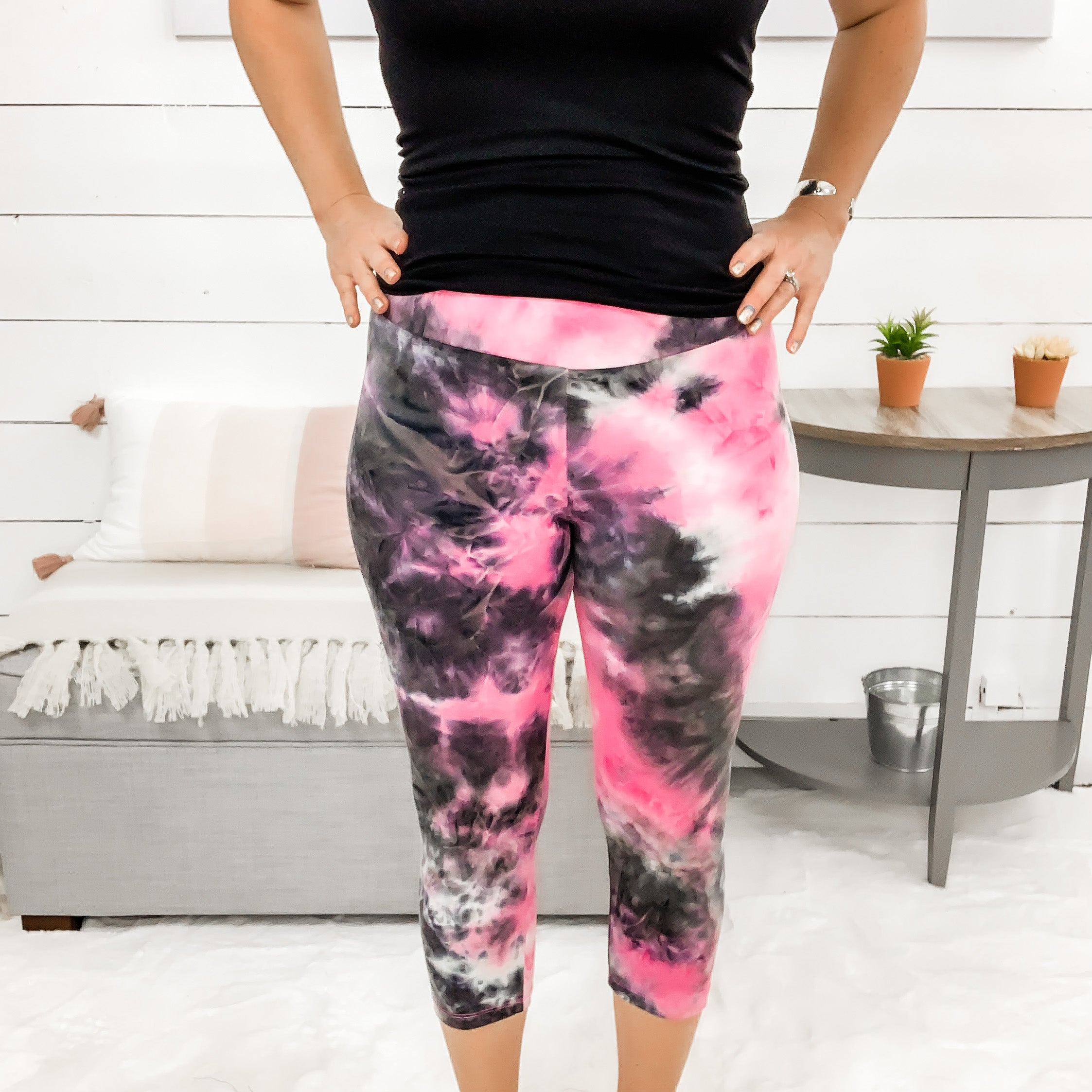 White Birch Pink/Black Tie Dye Leggings