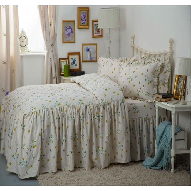 Ivory - Front - Belledorm Bluebell Meadow Fitted Bedspread