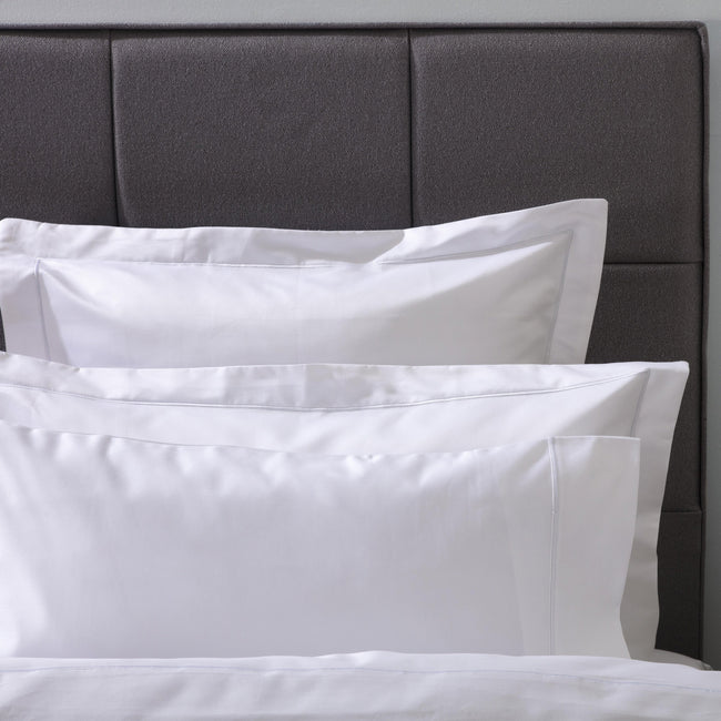 White - Front - Belledorm Ultralux 1000 Thread Count Oxford Pillowcase