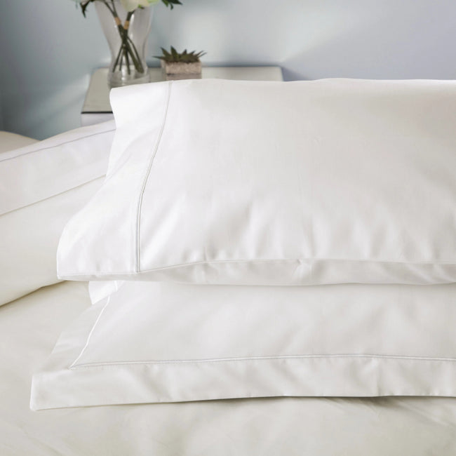 Ivory - Front - Belledorm Ultralux 1000 Thread Count Housewife Pillowcase (Pair)
