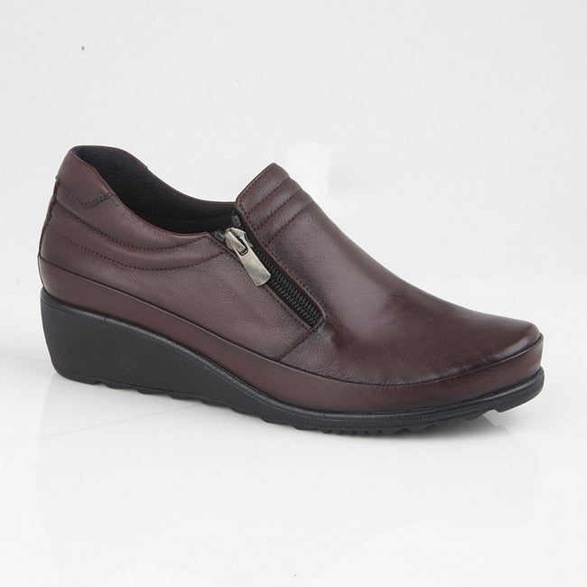 Burgundy - Front - Mod Comfys Womens-Ladies Zipped Gusset Casual Leather Shoe