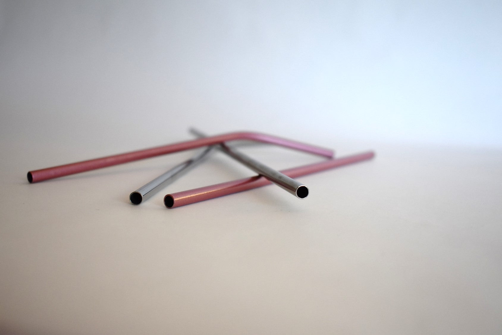Soft Shell Pink and Silver, 4-piece set of Stainless Steel Straws : Silver Lining Collection