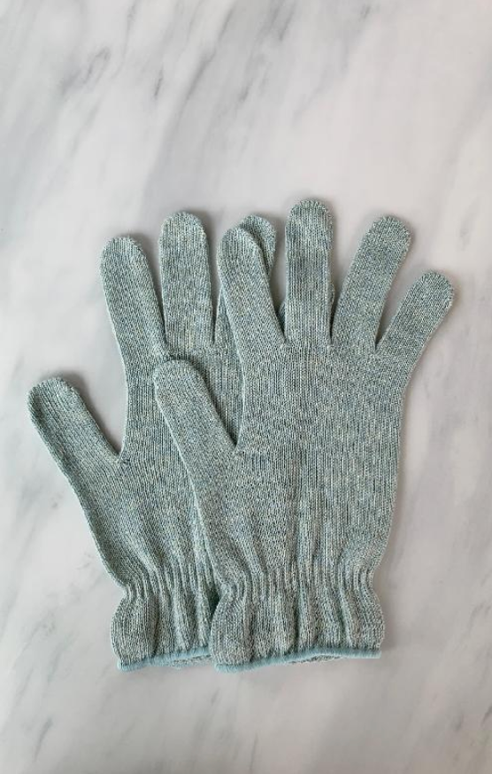 z e r o w a s t e Botanical Dyed Organic Cotton Gloves (Tabbisocks Wellness)
