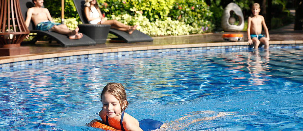 Sublue Swii electronic kickboard for kids water sports in swimming pool