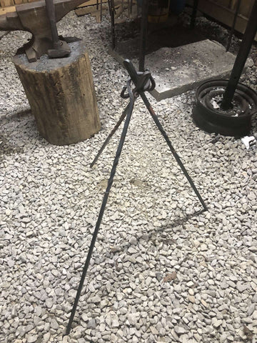 ROSE HOLLOW FORGE Camp cooking Tripod/Spit