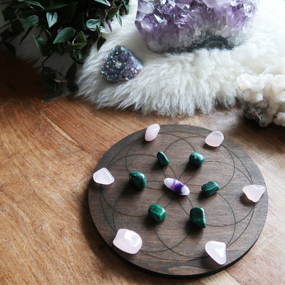 Small Crystal Grid Round - coppermoonboutique