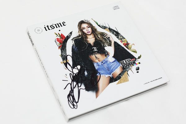 Hyolyn Sistar Its Me Autographed Promo Album Photo Card 2 Bumped on Cover