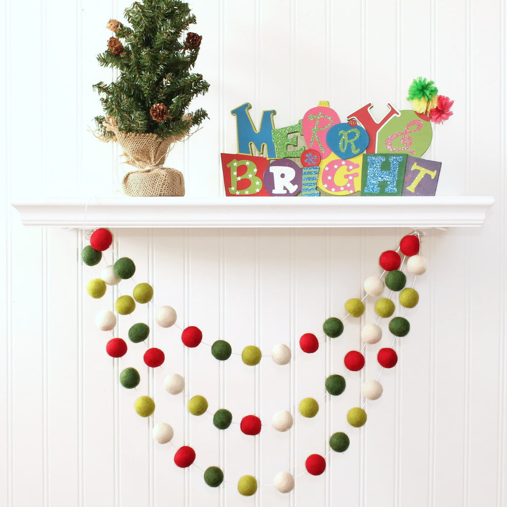 Christmas Felt Ball Garland, Pom Pom Garland Christmas, Red White and Green