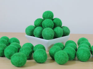 Felt Balls: KELLY GREEN, Felted Balls, DIY Garland Kit
