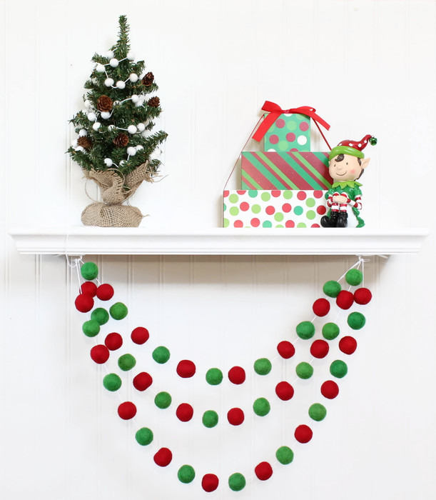 Christmas Ball Garland.Felt Ball Garland Christmas Christmas Pom Pom Garland Holiday Decor