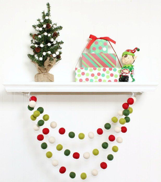 Christmas Red and Green Felt Ball Garland, Pom Pom Garland, Nursery Decor