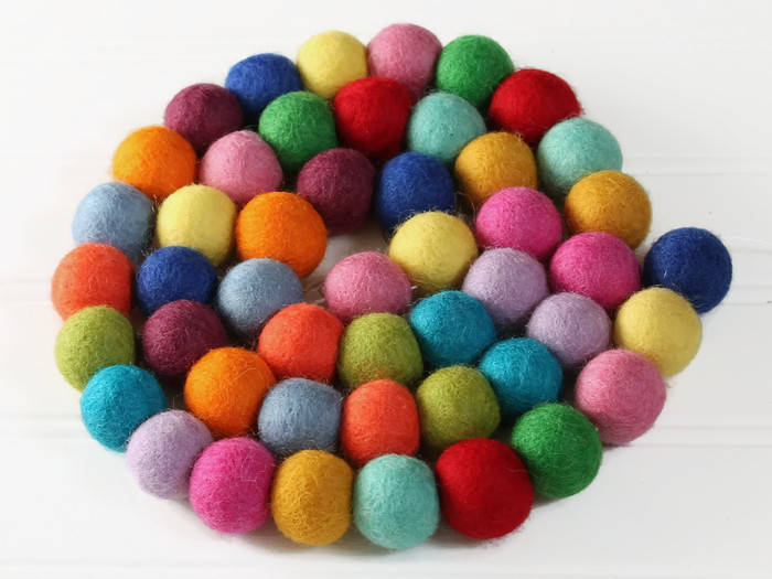 2.5 cm Wool Felt Balls: CUSTOM COLORS, Felted Balls, DIY Garland Kit
