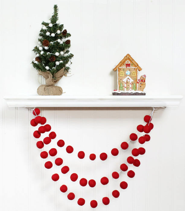 Felt Ball Garland Red for Christmas, Red Pom Pom Garland, Christmas Party Decoration