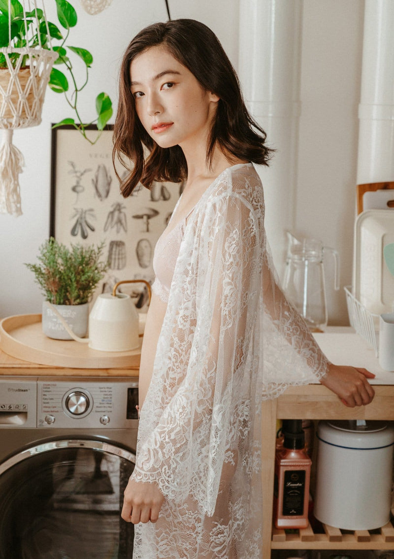 Iris Lace Robe White