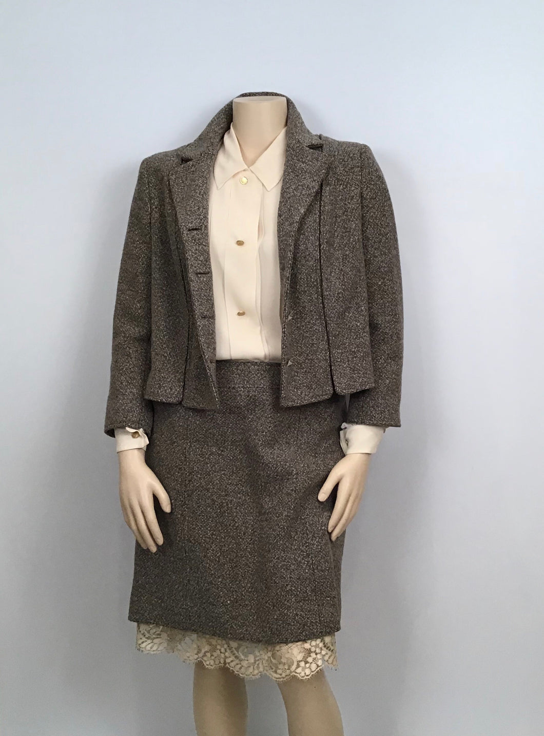 Chanel Vintage 03A Fall Autumn Brown Tweed Lace Jacket Blazer Skirt Suit Set FR 48 US 14/16