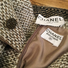 Load image into Gallery viewer, 98A Chanel Vintage Tweed Pleated Beige Taupe Jacket Maxi Skirt Set US 4/6